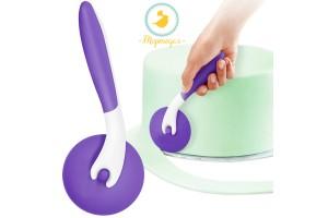 Роликовый нож для мастики бело-фиолетовый № 2