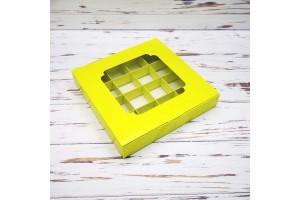 Коробка для конфет 185х185х30 на 16 штук с окном салатовая
