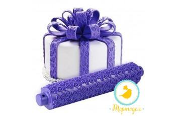 Скалка рельефная фиолетовая завитушки