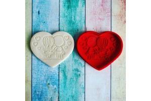 Вырубка для пряника со штампом Love is №2